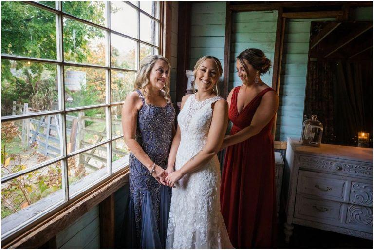 Bridal prep at Everly at Railroad